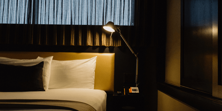bedside-table-lamp-swing-arm-lamps